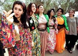 Women wearing jili Kurdiakan