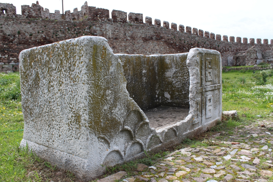 This monolithic sarcophagus dates from the Roman period.