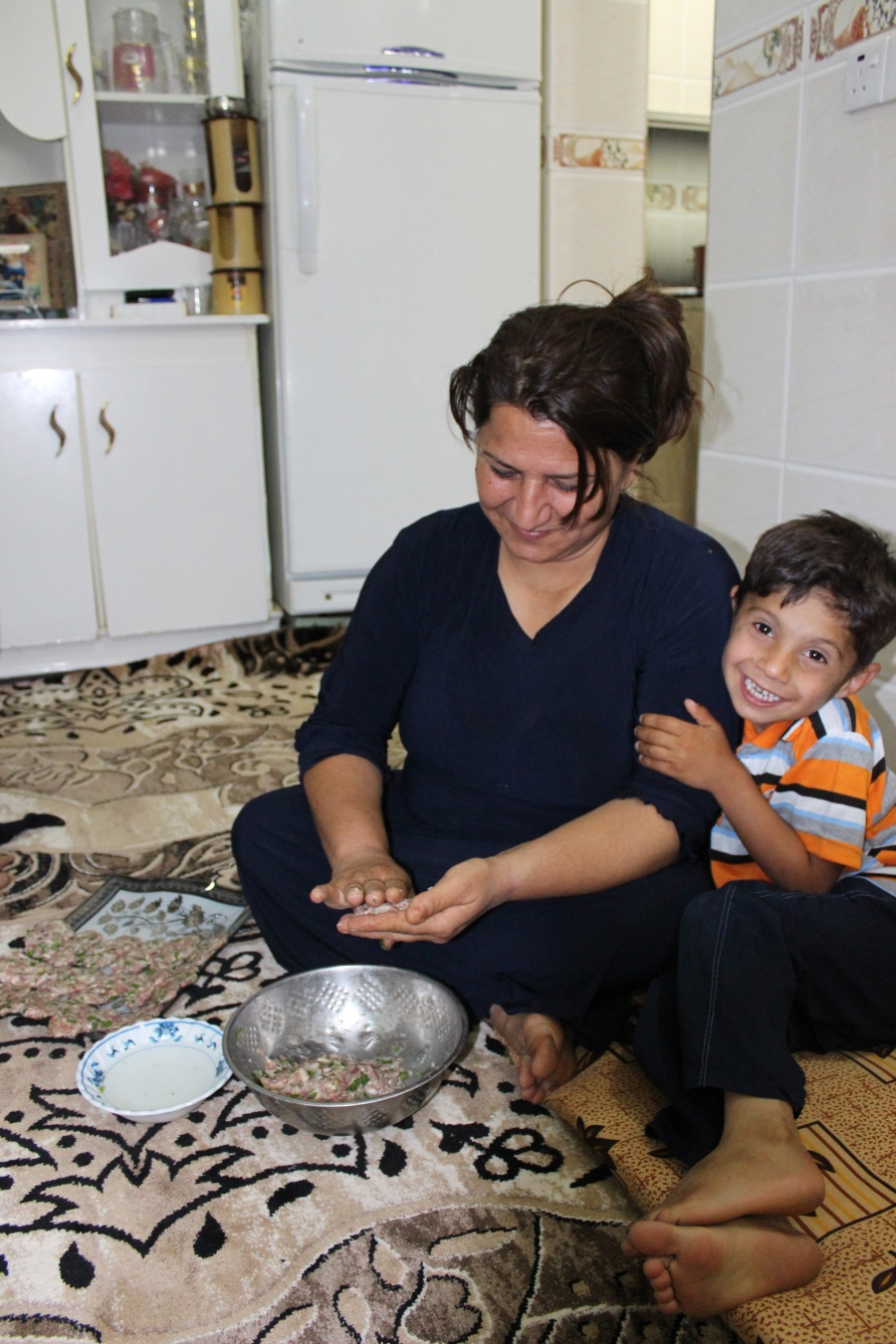 Making shufte while Hama clings on and disrupts the whole dinner-making process with his wild Kurdish child ways.